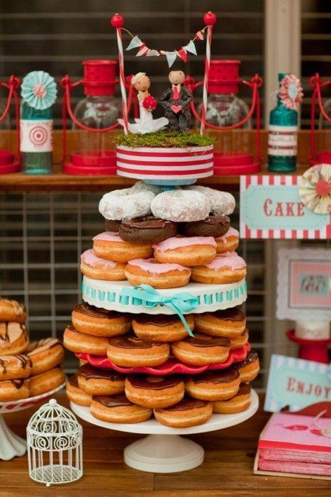 Doughnuts ¦ Photo via Chic Vintage Brides