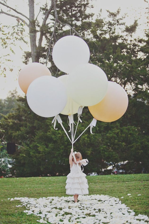 Photo by Teale Photography  via Bridal Musings