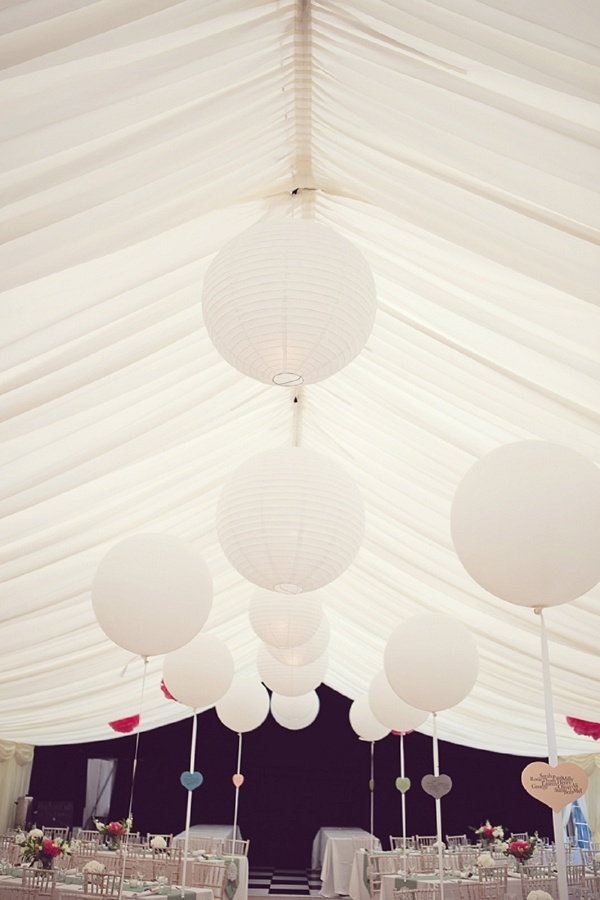 Photo by Sarah Janes Photography   via Whimsical Wonderland Weddings