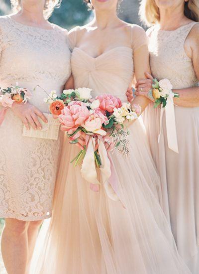 Photo by Katie Stoops  & Adam Barnes via Southern Weddings