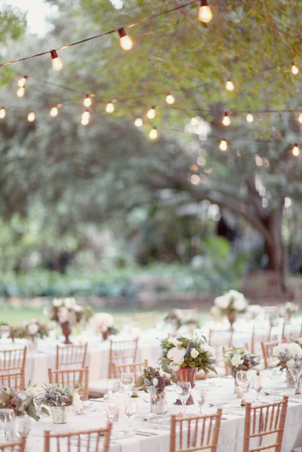 Photo by Simply Bloom Photography  via Style Me Pretty
