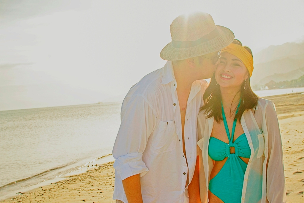 Wedding Philippines - Engagement Session - Fashion Beach (6)