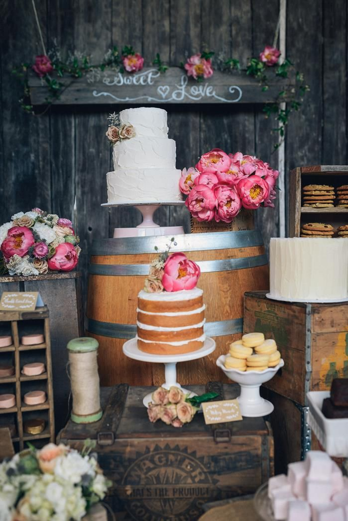 Photo by Redmoose Photography via Karas Party Ideas