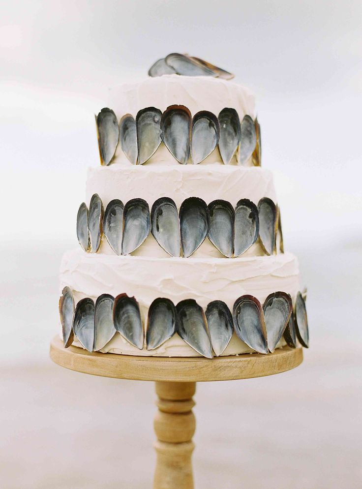 Wedding Cake {Photo by Pearl and Godiva via Pearl & Godiva)
