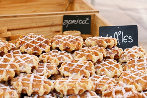 Wedding Philippines - 19 Cute Ways to Display Pancakes and Waffles at Your Wedding Buffet Bar  Food Ideas (4)