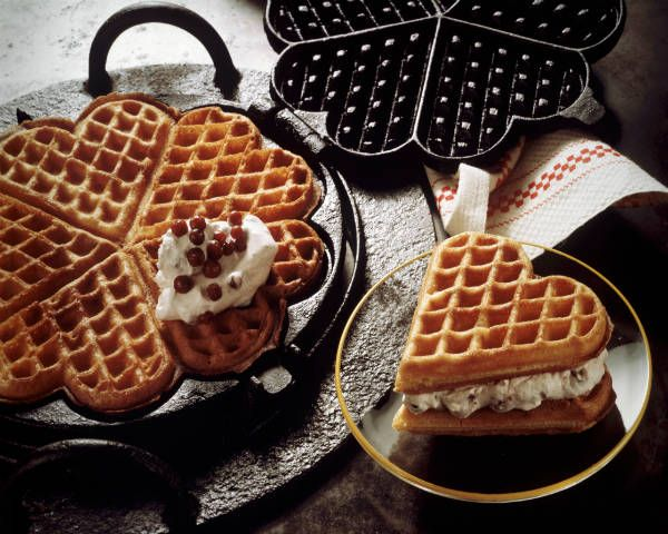 Wedding Philippines - 19 Cute Ways to Display Pancakes and Waffles at Your Wedding Buffet Bar  Food Ideas (8)