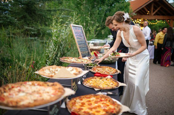 Wedding Philippines - 21 Fun Pizza Food Bar Buffet Ideas for Your Wedding (10)