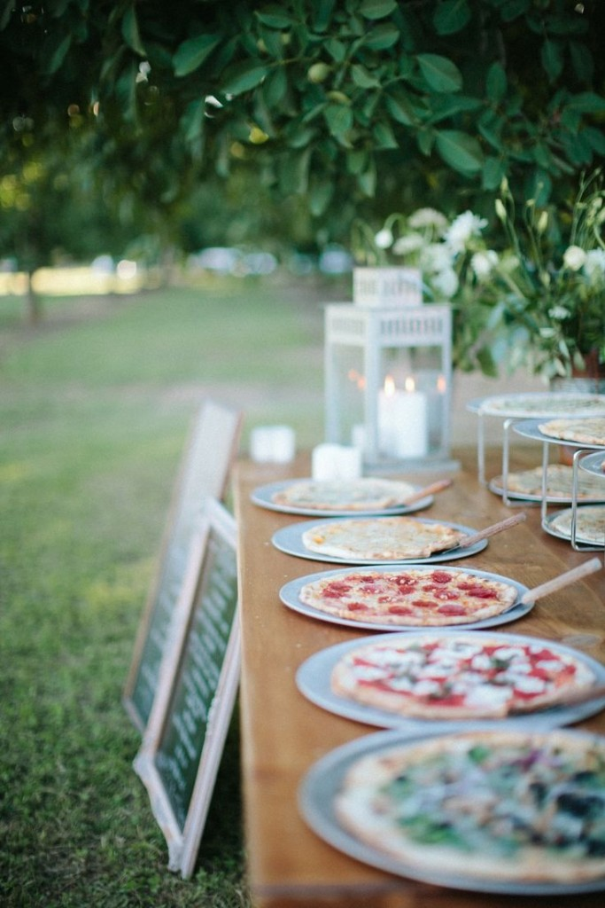 Wedding Philippines - 21 Fun Pizza Food Bar Buffet Ideas for Your Wedding (21)
