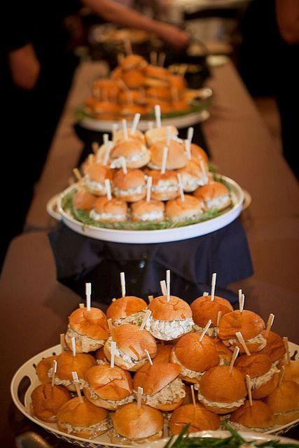 Wedding Philippines - 21 Gourmet Burger Bar Buffet Ideas For Your Wedding (15)