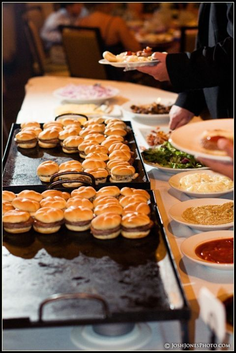 Wedding Philippines - 21 Gourmet Burger Bar Buffet Ideas For Your Wedding (19)