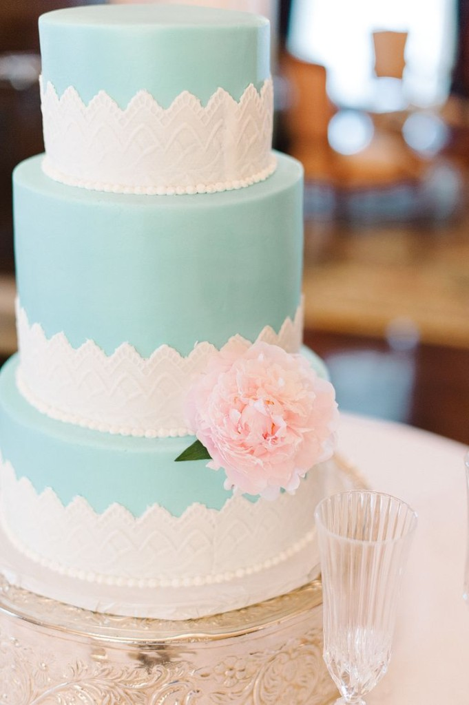 Wedding Philippines - 25 Elegant Tiffany Blue Wedding Cake Ideas (20)