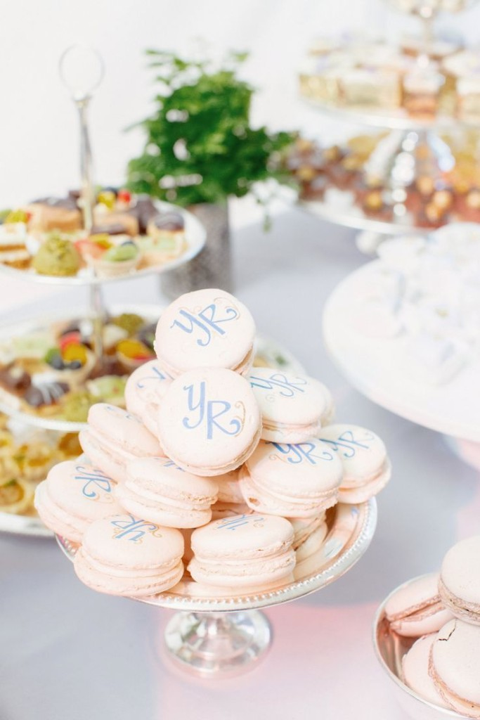 Wedding philippines 25 cool and fun donut bar buffet food ideas for - 37 Delicious Macarons For Your Wedding Wedding