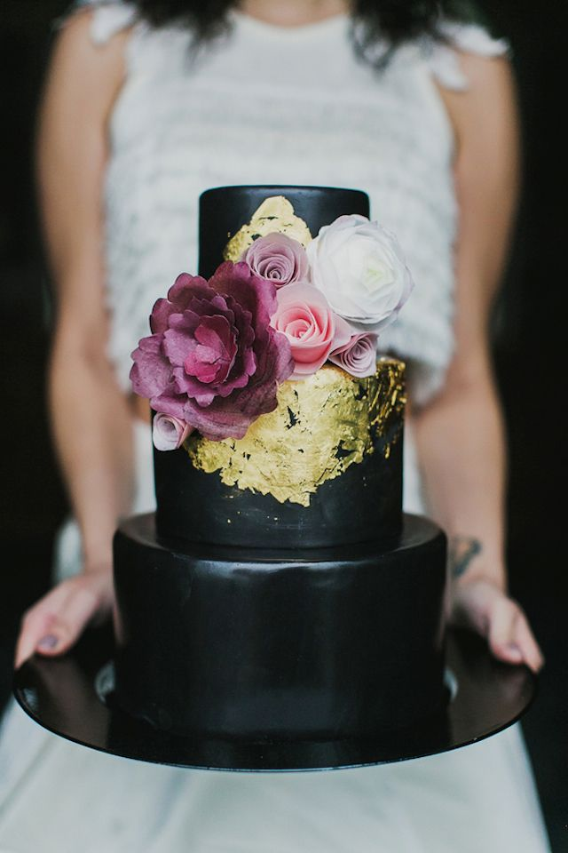 Wedding Philippines - 38 Bold and Chic Black Wedding Cakes (1)