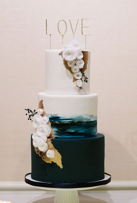 Wedding Philippines - 38 Bold and Chic Black Wedding Cakes (10)