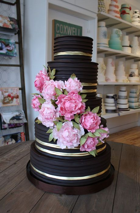 Wedding Philippines - 38 Bold and Chic Black Wedding Cakes (13)