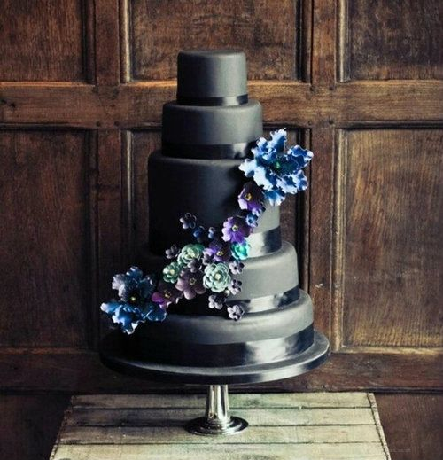 Wedding Philippines - 38 Bold and Chic Black Wedding Cakes (17)