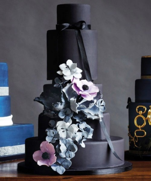 Wedding Philippines - 38 Bold and Chic Black Wedding Cakes (18)