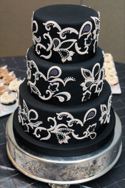 Wedding Philippines - 38 Bold and Chic Black Wedding Cakes (23)