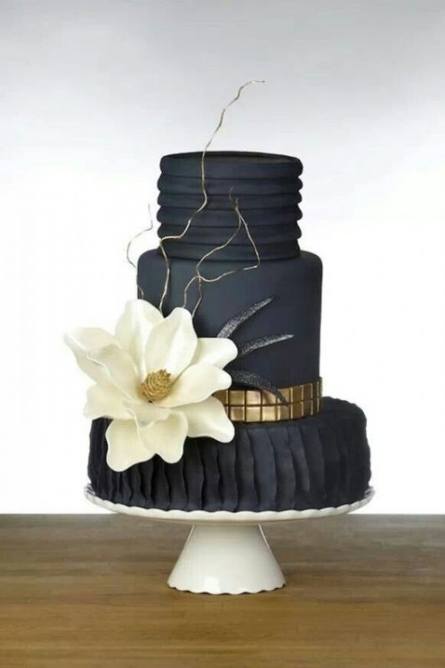 Wedding Philippines - 38 Bold and Chic Black Wedding Cakes (26)