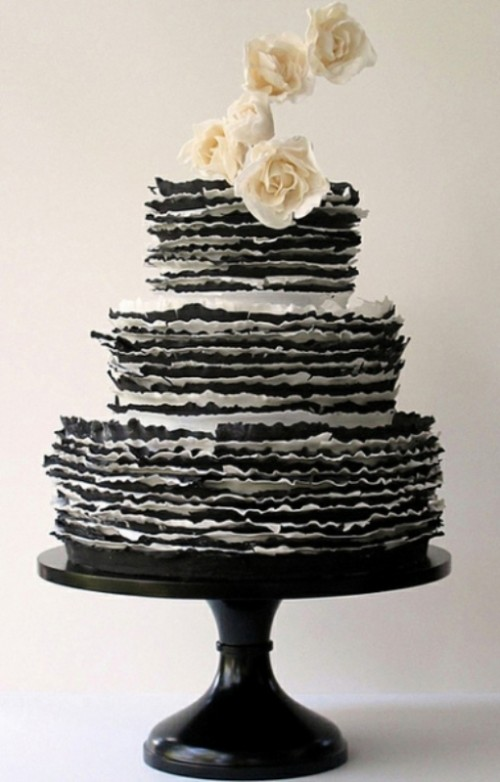 Wedding Philippines - 38 Bold and Chic Black Wedding Cakes (31)