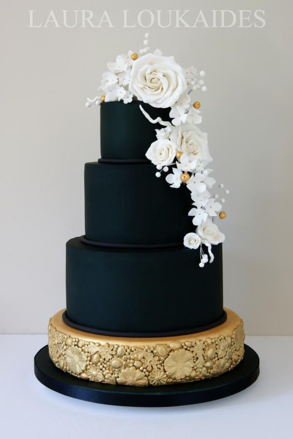 Wedding Philippines - 38 Bold and Chic Black Wedding Cakes (37)
