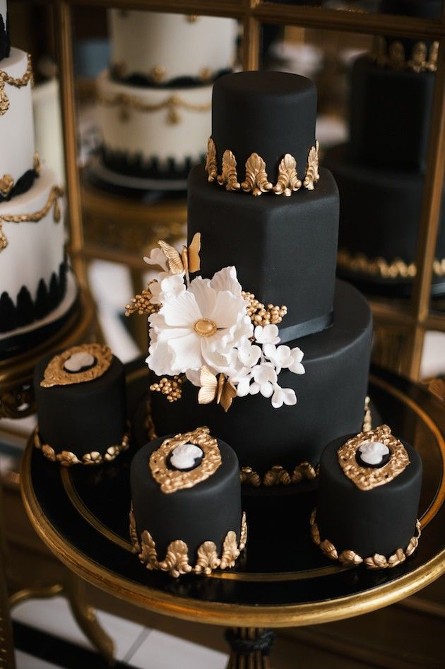 Wedding Philippines - 38 Bold and Chic Black Wedding Cakes (38)