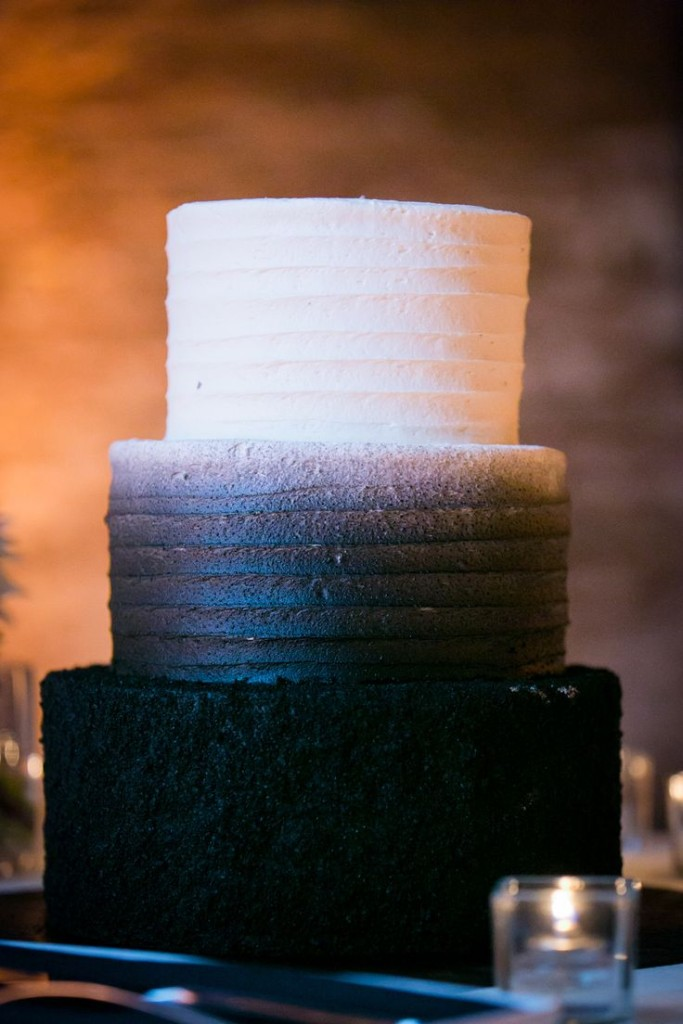 Wedding Philippines - 38 Bold and Chic Black Wedding Cakes (6)