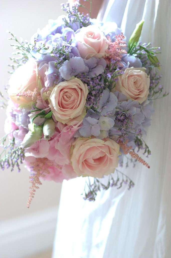 Wedding Philippines - 30 Stunning Mixed Pastel Wedding Bride Bouquet Flower Ideas (11)