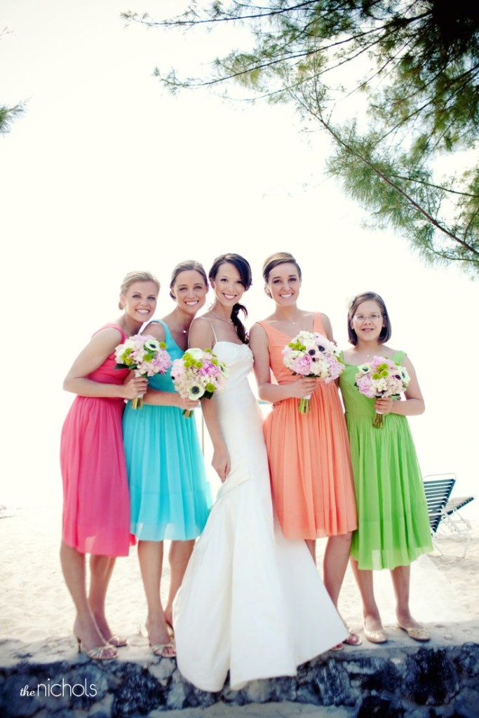 6 ways to do mismatched bridesmaid dresses wedding for Different colored wedding dresses