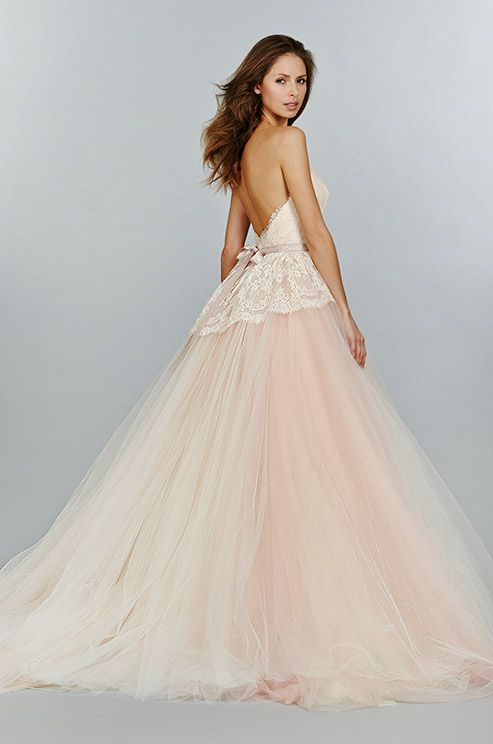 Wedding-Philippines-Blush_Wedding_Gown_Dresses-blush-pink-wedding-dress-features-beautiful-lace-bodice-and-tulle-skirt