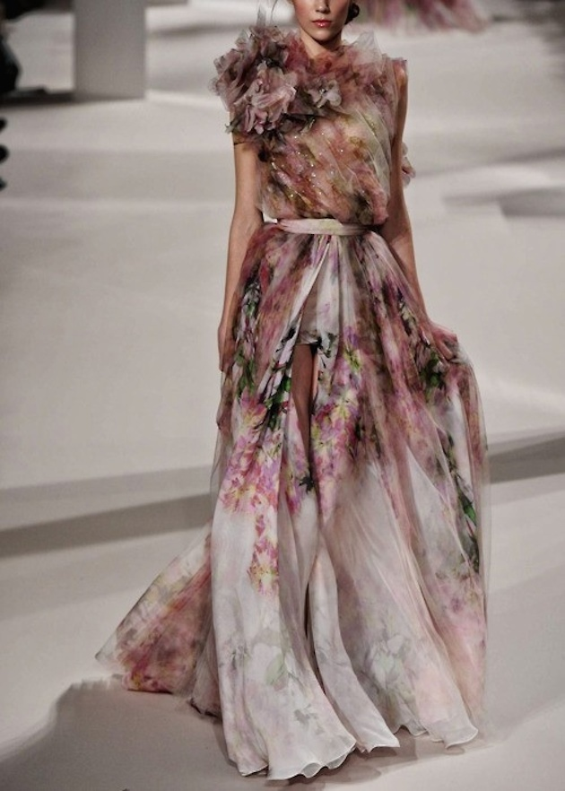 Wedding_Philippines_Beautiful_Floral_Inspired_Wedding_Dresses_Elie-Saab-Blush-Blooms-Tulle-Printed-Wedding-Dress