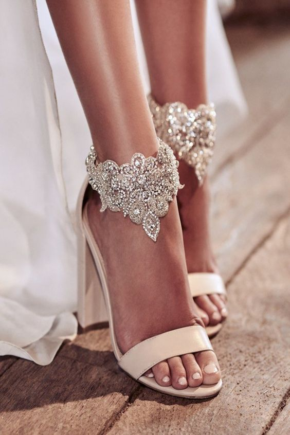 Wedding_Philippines_Most_Loved_Wedding_Shoes_for_Brides_Ethereal Anna Campbell Eternal Heart Collection